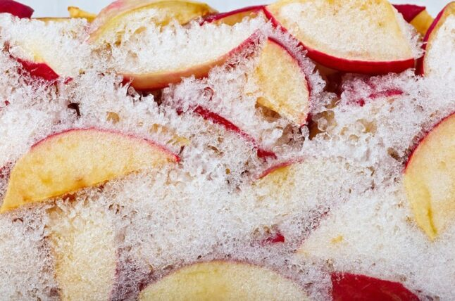 can you freeze apples for smoothie