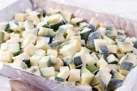 Freeze apples in tray